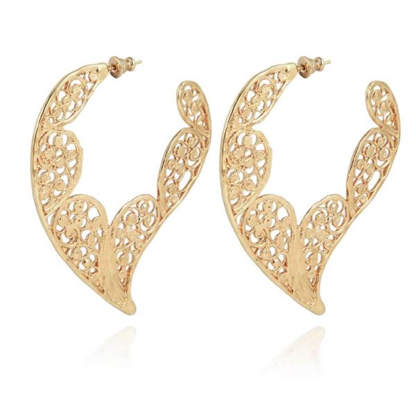 Criollas en forma de alas perforadas. Metal bañado en oro de 24k.