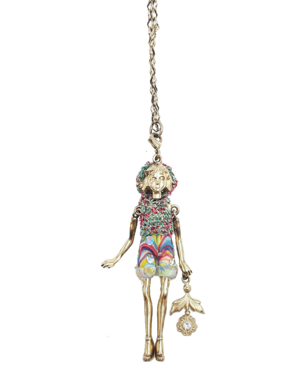 Muñeca de plata con baño de oro, de 7 cm, con traje multicolor hecho a mano y flor con Swarovski. Edición limitada.