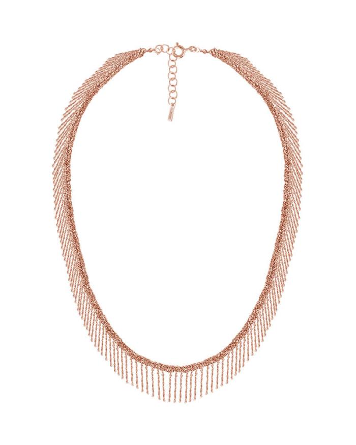 Gargantilla de plata 925, bañada en oro rosa de 18k. Trenzada y adornada con flecos e hilo de seda y cuentas de cristal.