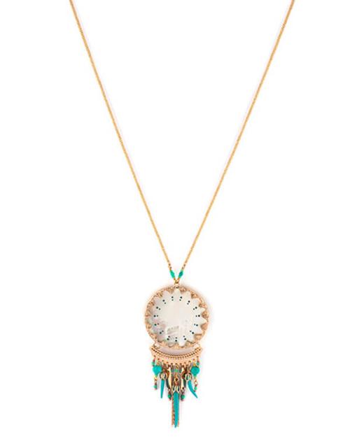 Gargantilla bañada en oro 18k. Adornada con nácar blanco y perlas de Japón. Piezas lacadas a mano en Turquesa. Dimensiones : 36 cm + 8 cm de cadena.