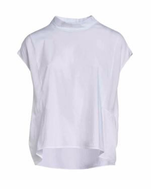 Camisa blanca sin mangas con cuello mao y botones en la parte de detras.