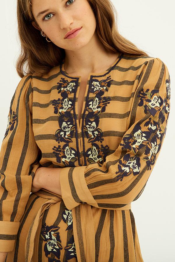 Antik Batik vestido bordado