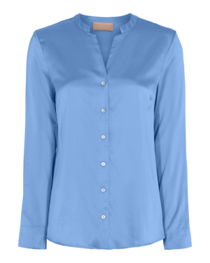 Camisa de cupro con cuello mao, en color azul. Composición: 96% viscosa, 4% elastano