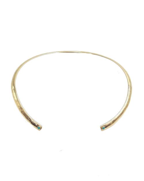 Gargantilla rígida, abierta con dos turquesas en cada extremo y bañada en oro de 24k.