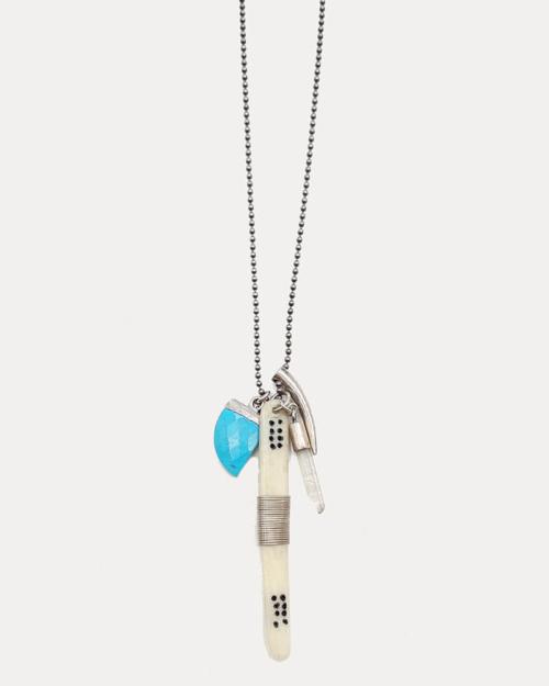 Collar corto de plata 925,con colgante variado con pieza de marfil alargada, un cuarzo, una piedra tuquesa y un cuerno de plata.