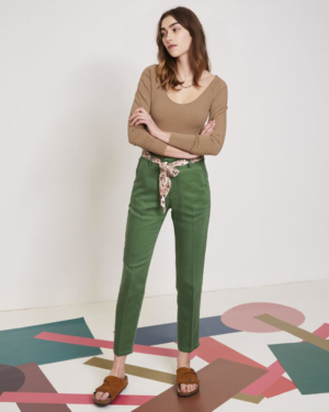 pantalón chino verda de verano